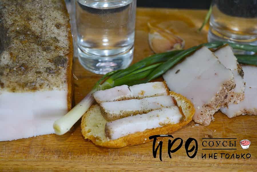Как посолить сало с чесноком и перцем пошагово