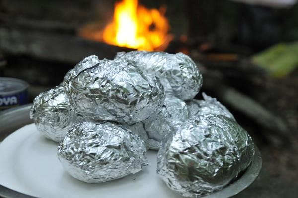 как запекать картошку в углях